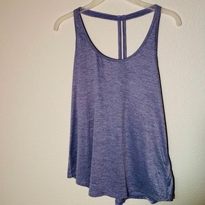 🌺 $10 or 3/$24 Old Navy Athletic Tank 🌺